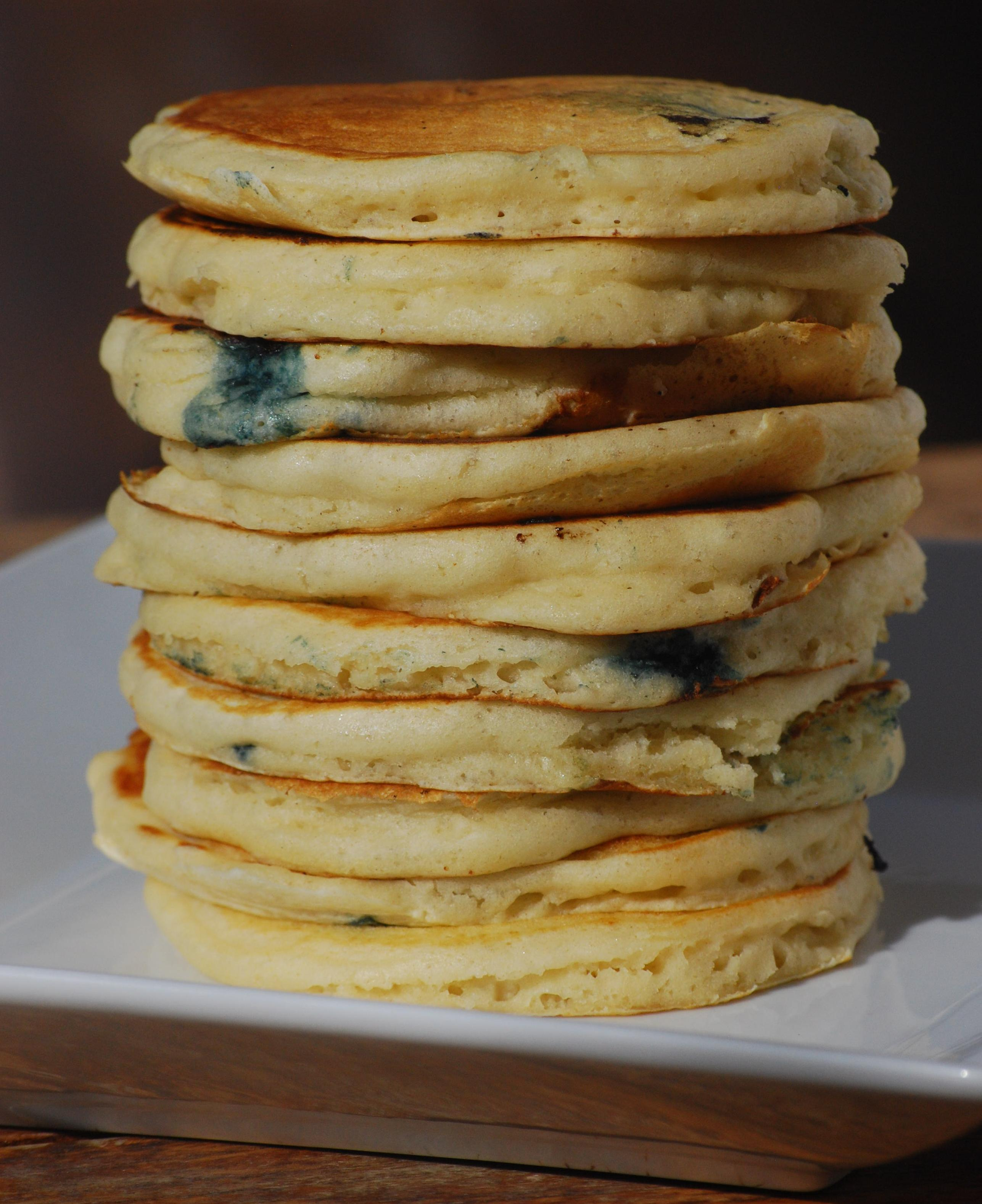 Blueberry Buttermilk Pancakes (makes approximately 16 pancakes- I ...